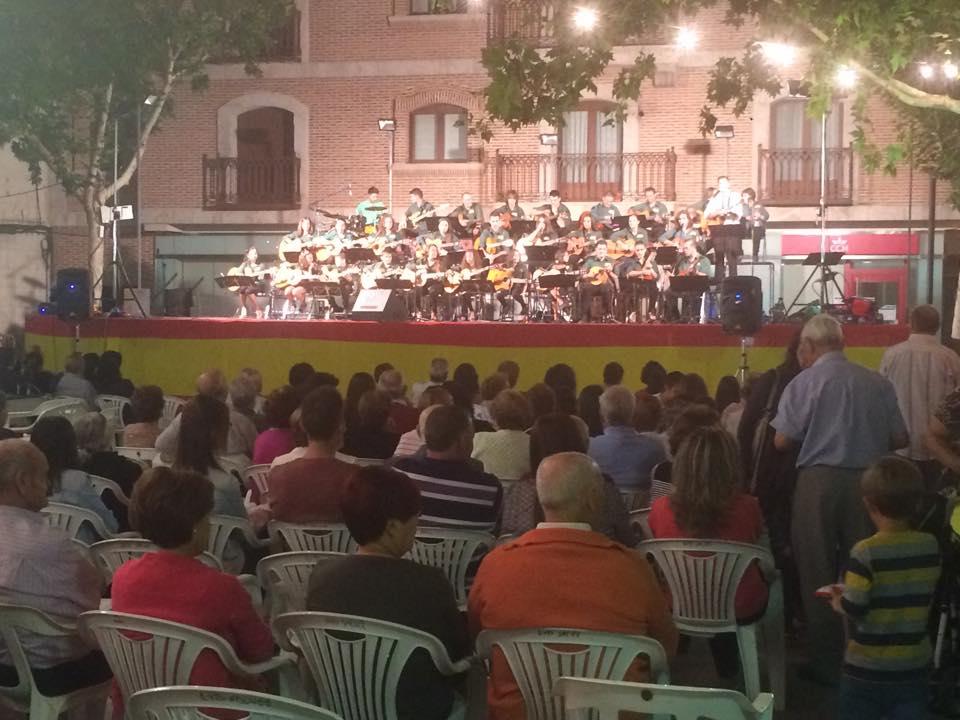 Actuación de la Agrupación Musical José Luís de la Vega