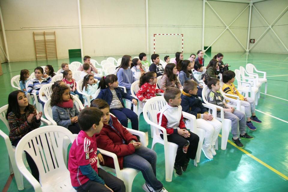 El Ayuntamiento de Gálvez y Tello impulsan el  deporte, beneficiando a más de 235 jóvenes de la  localidad